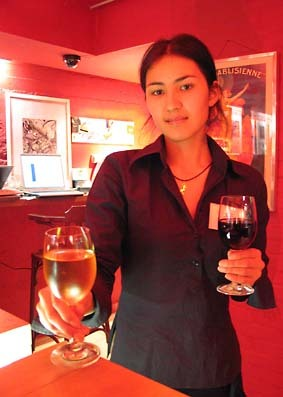 Moscow_wine_bar_aya
