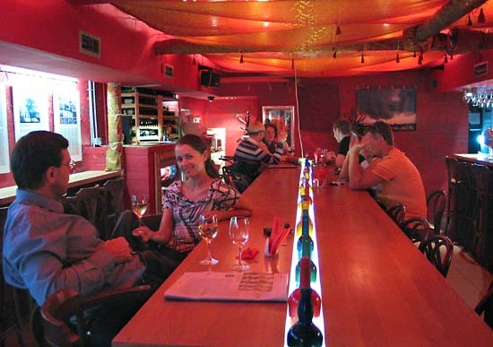 Moscow_wine_bar_table