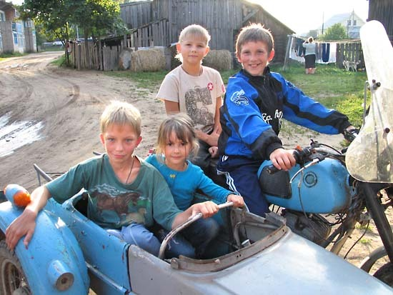 Russia_sidecar_village