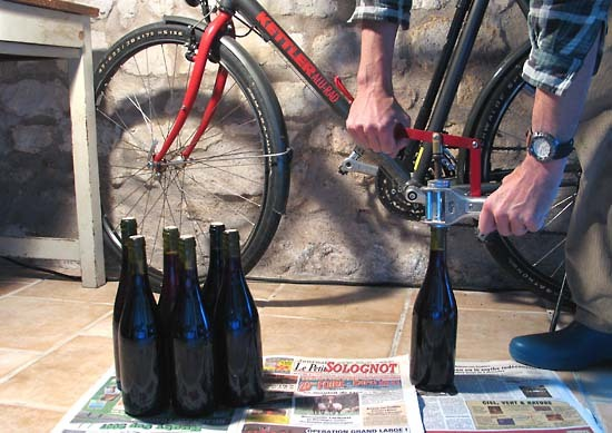 Home_bottling_corking