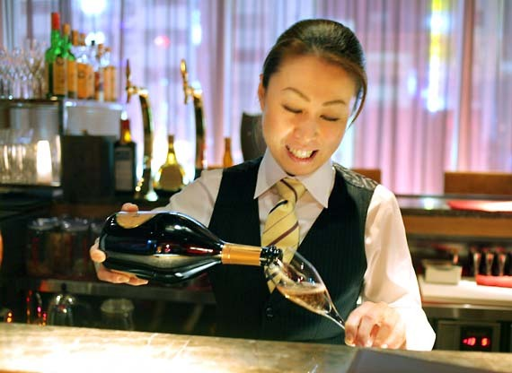 Roppongi_wine_bar_champagne