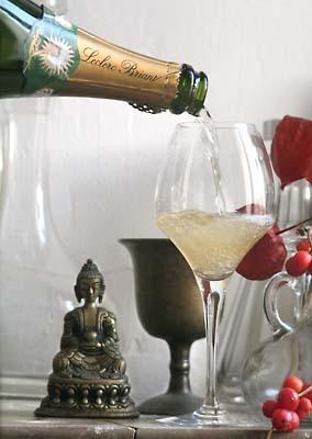Champagne_mikasa